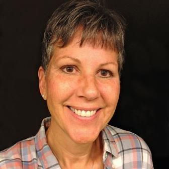Julie Szaj Social Profile
