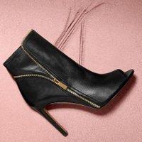 Designer Shoe Sale | Social Profile