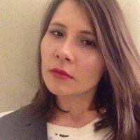 Charis vd Heever | Social Profile