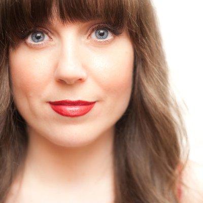Hannah Nicollet | Social Profile
