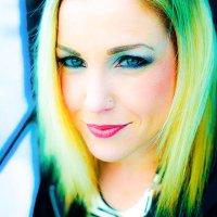 Kristin LusH | Social Profile