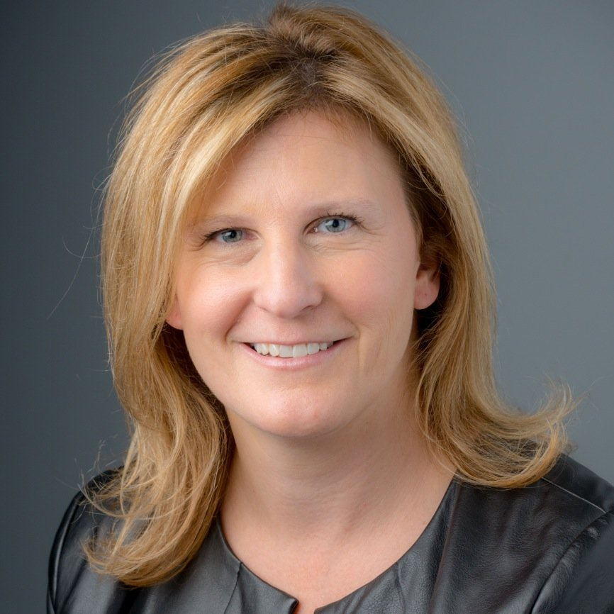 Kelly Whiteside Social Profile