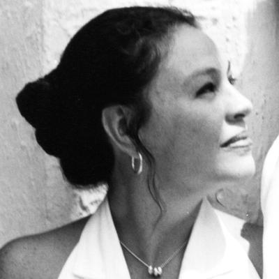 Adriana Maria | Social Profile