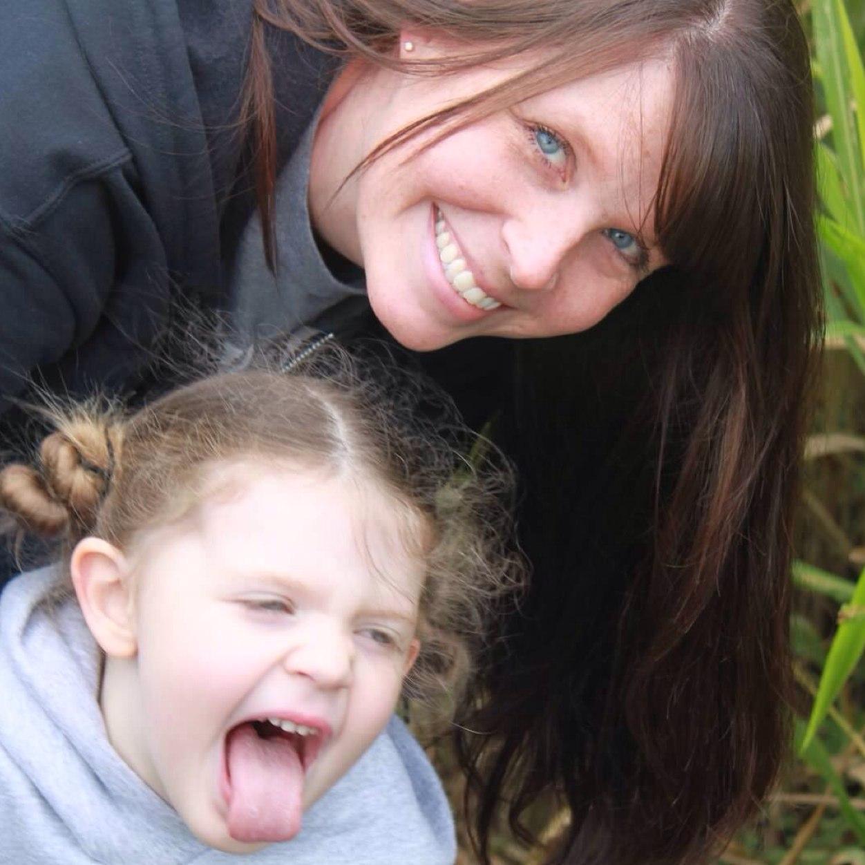Amy @ YA-Sisterhood Social Profile
