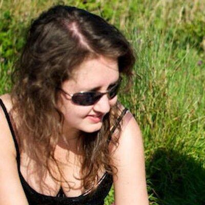 Stephani Lozier | Social Profile