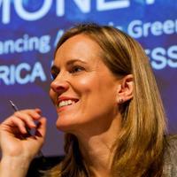 Caroline Kende-Robb | Social Profile