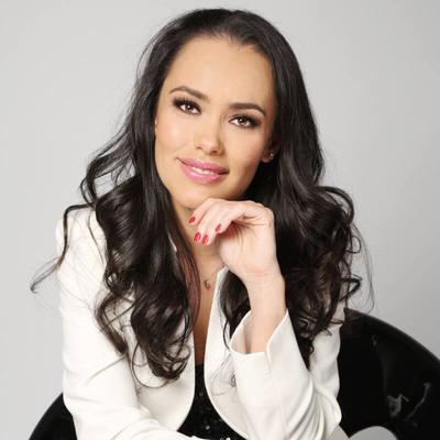 Tania Castillo | Social Profile