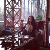 Tess Taylor   Social Profile