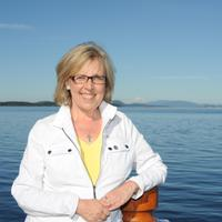 Elizabeth May | Social Profile