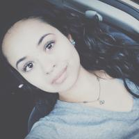 Vanessa Salazar | Social Profile