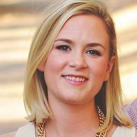 Elizabeth Tenety | Social Profile