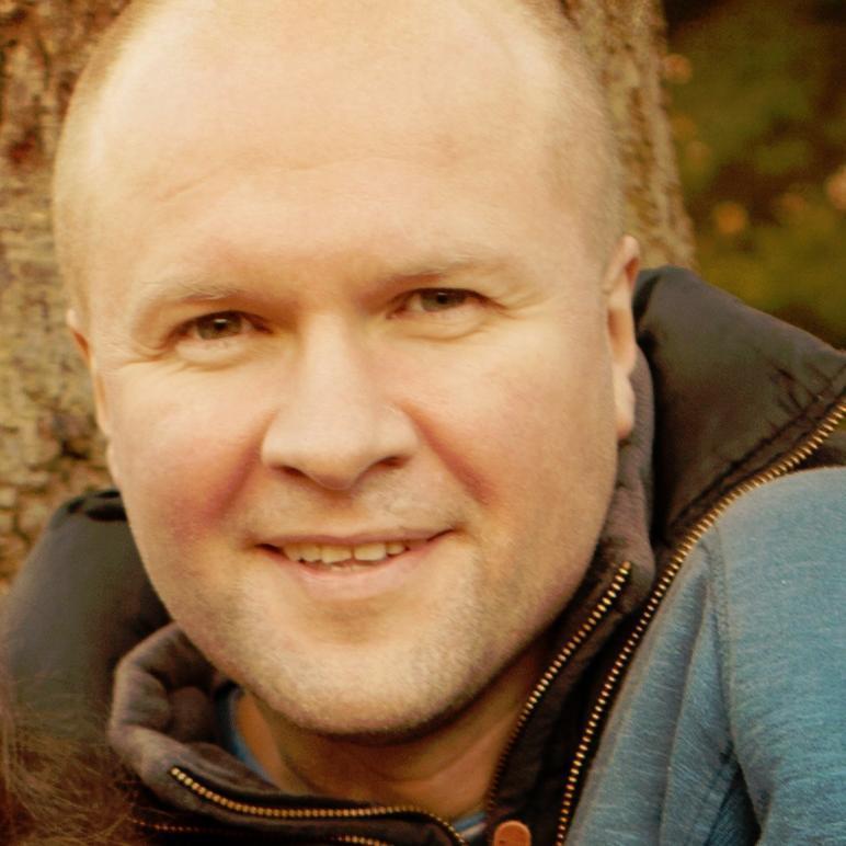 Neil Mossey Social Profile