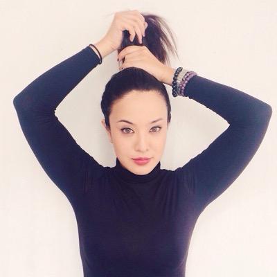 Victoria Herrera Social Profile
