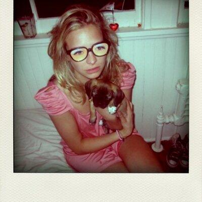 Annabelle D-J | Social Profile