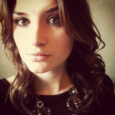 Chloe Edwards | Social Profile