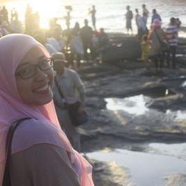 Hanisya Putri Kania | Social Profile