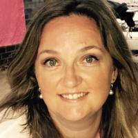 Elaine Hanley   Social Profile