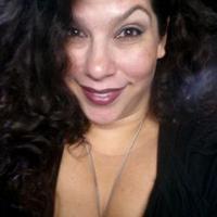 Elizabeth Perez   Social Profile