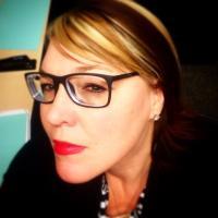 Donna | Social Profile