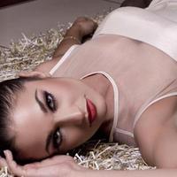 Maria Elisa Parker | Social Profile