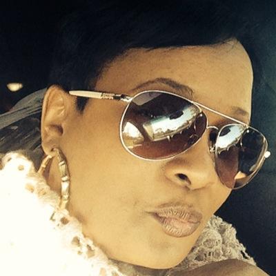 RobynSimone | Social Profile