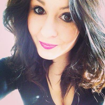 Laura White   Social Profile