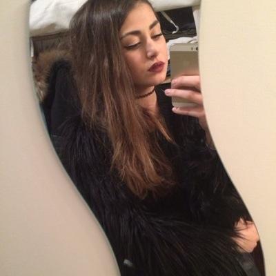 Yasmin Hassouna   Social Profile