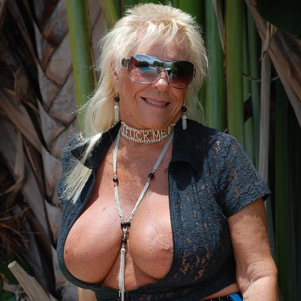 Busty blonde gilf mandi mcgraw enjoys some cock 1