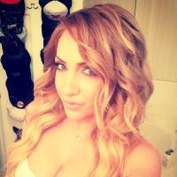 MaginLee Birrenkott | Social Profile