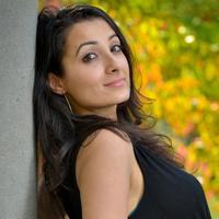 nida kazmi | Social Profile