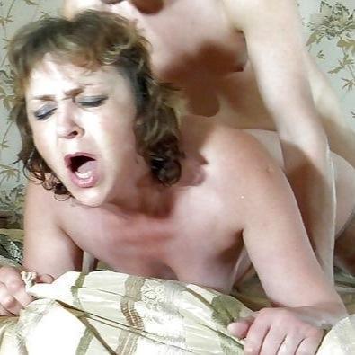 Порно видео русская зрелая эмилия