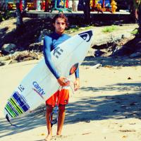 Derek Gomes | Social Profile