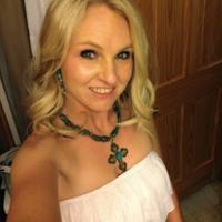 Sara Skeens | Social Profile