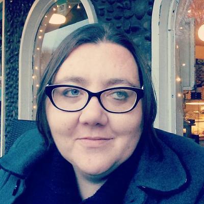 Philippa Willitts | Social Profile