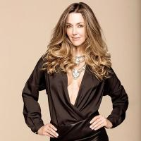 Claudia Elena | Social Profile