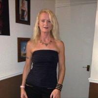julie cerson | Social Profile