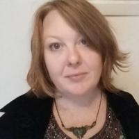 Elinor Slomba | Social Profile