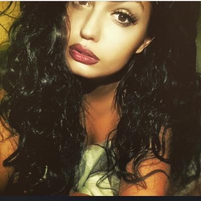 Shawna B    Social Profile