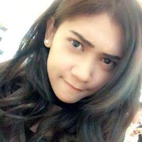 Treisya Nana R | Social Profile