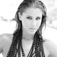 Elisabeth Reyes | Social Profile