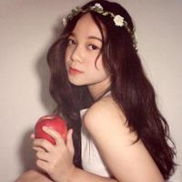 Putri Bennya | Social Profile
