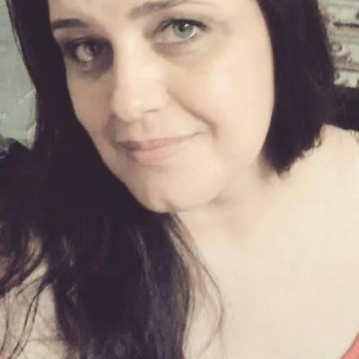 Andrea Medeiros | Social Profile