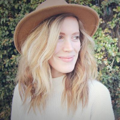 Jennifer Beile | Social Profile