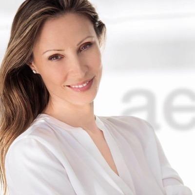 Alexandra Zakka | Social Profile