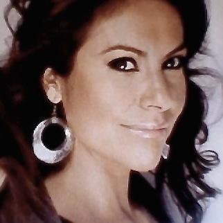 Niza Michelle | Social Profile