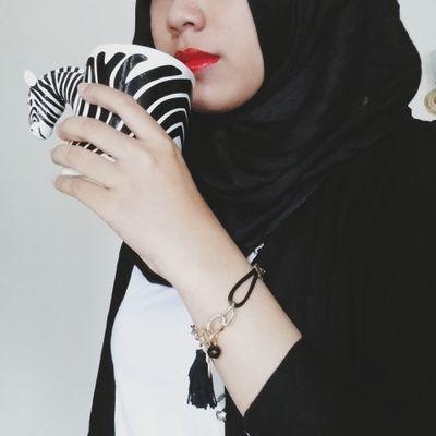 Novia Dea Iswara Social Profile