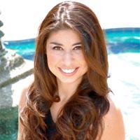 Adriana Herrera | Social Profile