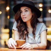 Cara Manglapus | Social Profile