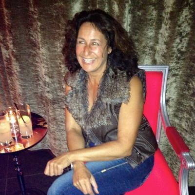 Lauran Hoffman | Social Profile