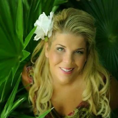 Caroline Forsyth | Social Profile